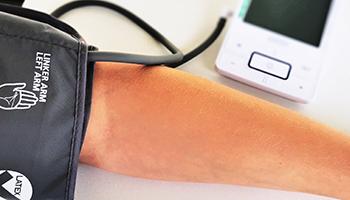 Foto af en blodtryksmåler